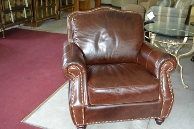 Bid On New And Name Brand High End Furniture Classic Auctions